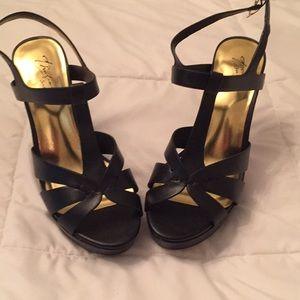Thalia Sodi Black platform heels